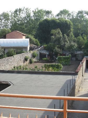 Hotel Ristorante Il Vigneto: view onto the Orto - vegetable garden