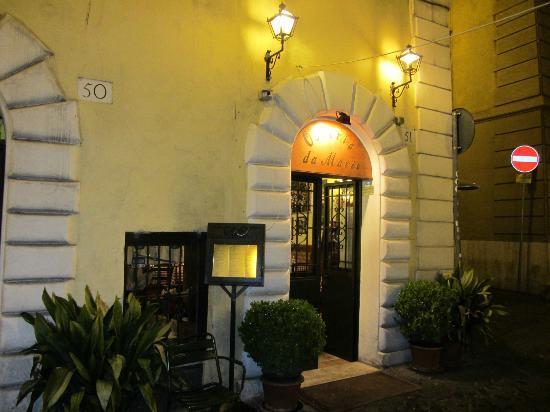 Osteria da Mario : Night entrance view