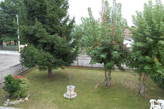 B&B L'Arcobaleno : giardino relax