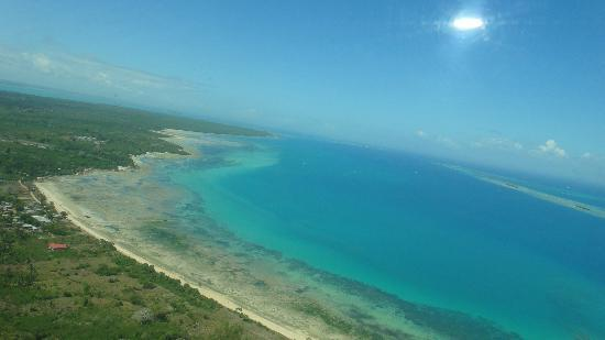 Стоун-Таун, Танзания: zanzibar coast line from air near stone town