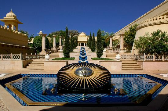 The Oberoi Udaivilas: Courtyard