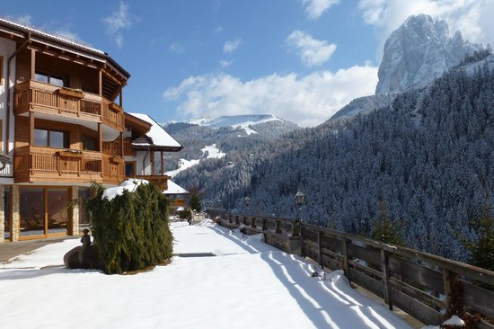 RESIDENCE SOVARA (Val Gardena, Italy) - Apartment Reviews, Photos   Price  Comparison - TripAdvisor dddb51e4af4b