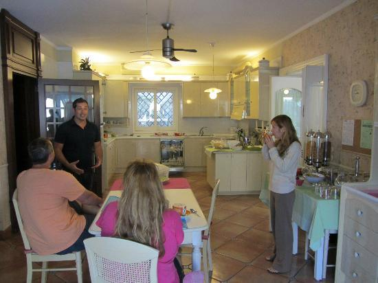 Villa Adriana Guesthouse Sorrento: Kitchen & Breakfast area