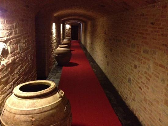 Le Tre Vaselle Resort & Spa: the tunnels that link the main hotel to the pool ans spar
