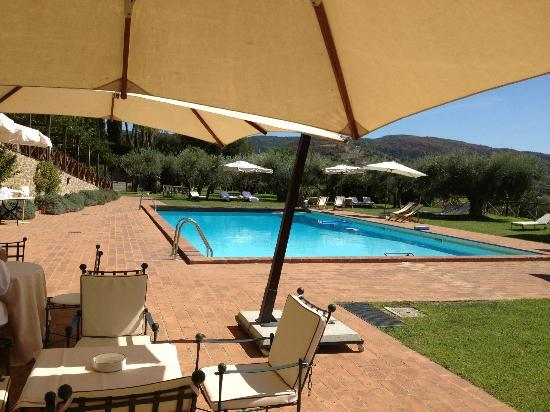 Le Tre Vaselle Resort & Spa: Well kept and very quiet pool area
