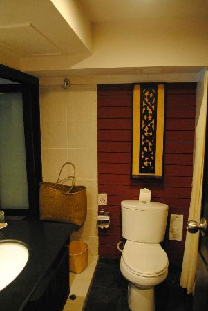Burasari Resort: Bathroom