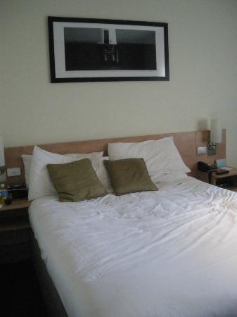 ไอบิส เมลเบิร์น: Queen Bed