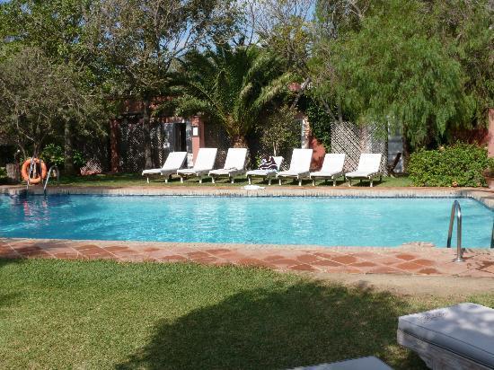 100% Fun Tarifa Hotel: piscine