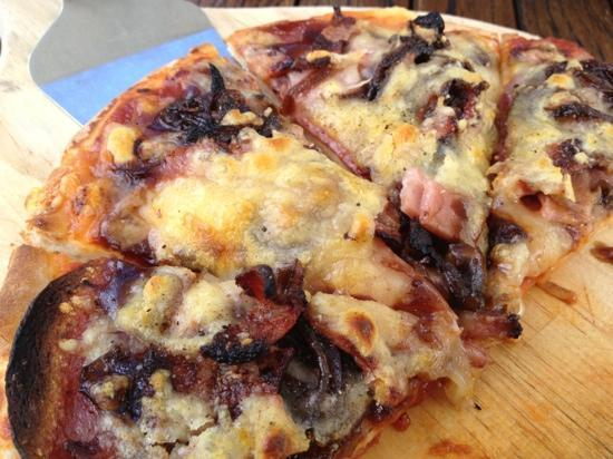Stables Restaurant & Wine Bar: meat lover pizza--delish!!