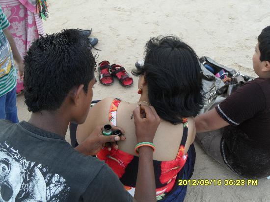 Baga Beach : tattoo