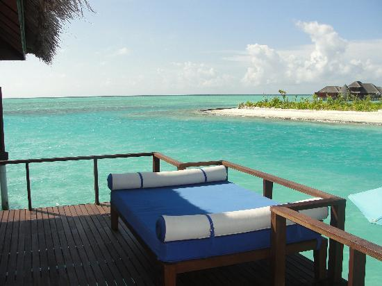Anantara Veli Maldives Resort: Outer deck