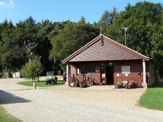 Deer's Glade Caravan & Camping Park: Shop/Reception