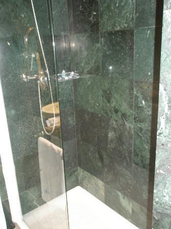 Eurostars Tartessos: baño