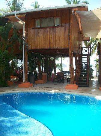 Samara Tree House Inn: Piscina