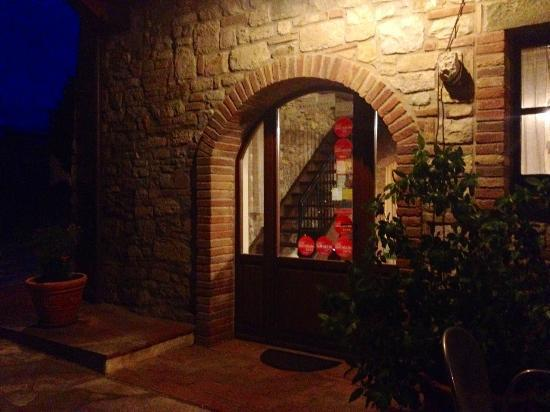 Agriturismo Casale delle Lucrezie: Ristorante (esterno) 