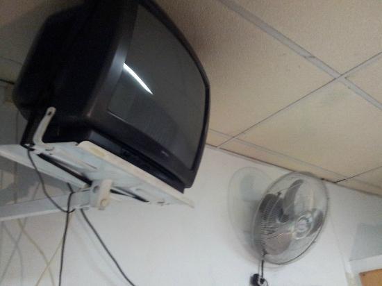 Alcazar Hotel: tv qui ne fonctionne pas