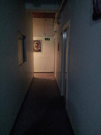 Alcazar Hotel: couloir
