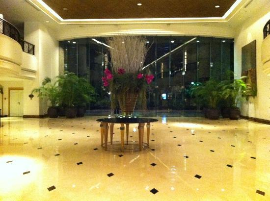 The Athenee Hotel, a Luxury Collection Hotel, Bangkok: Lobby