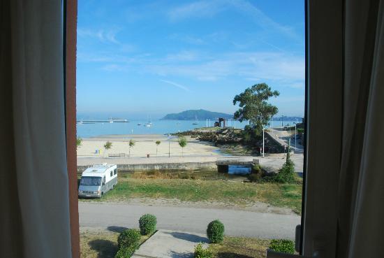 Hotel Bahia Bayona: Vue de la chambre sur l'une  des 2 plages