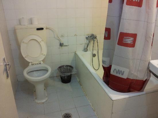 Alcazar Hotel: salle de bain