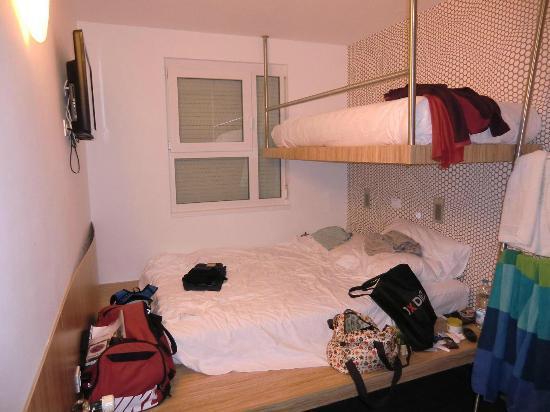 Bit Center Hotel: Nuestra habitación