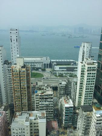 BEST WESTERN Hotel Harbour View: View from the room looking out to Victoria Harbour