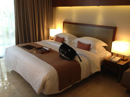 The Magani Hotel and Spa: The bed