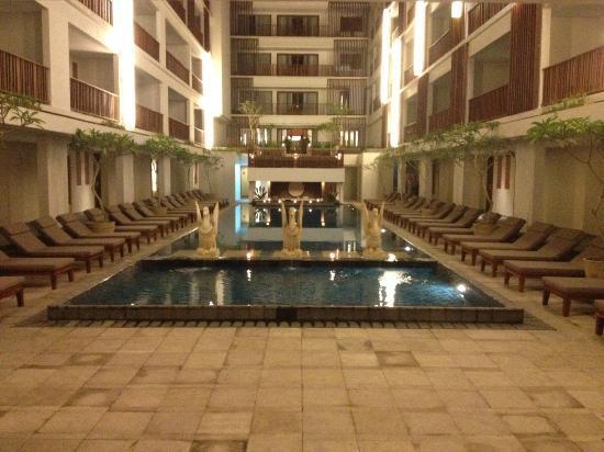The Magani Hotel and Spa: Pool area