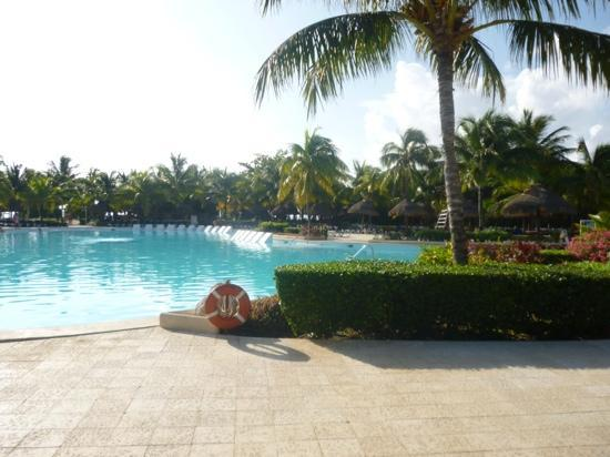 Grand Palladium Colonial Resort & Spa: pool