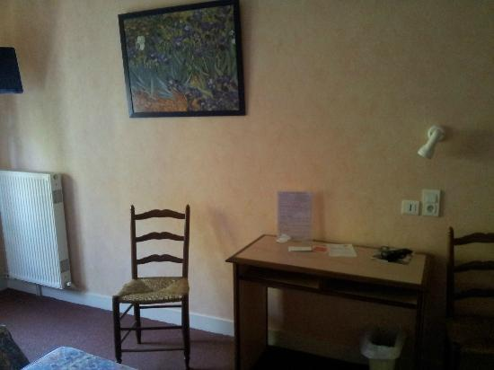 Logis Auberge Du Cheval Blanc et Le Clovis: Le petit bureau