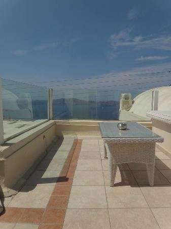 Reverie Santorini Hotel : The roof-top balcony. Only accessible from this room