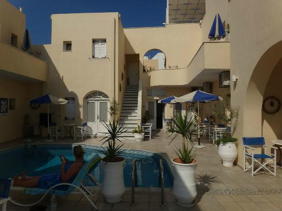 Reverie Santorini Hotel: Pool side and various rooms