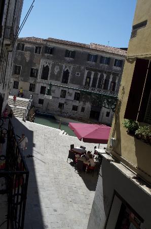Locanda Sant'Agostin: Vue depuis notre chambre