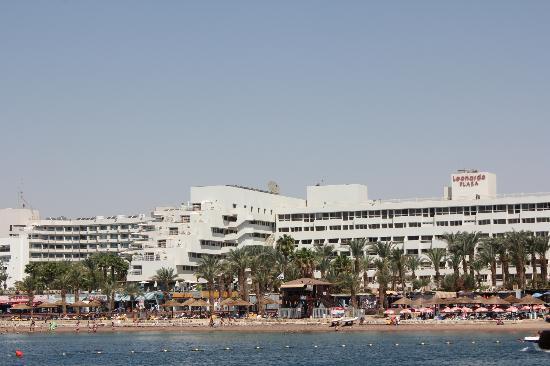 Leonardo Plaza Hotel Eilat: вид с яхты на отель