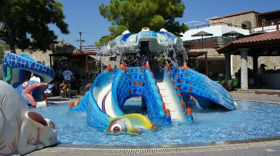 Costa Lindia Beach Resort: детская горка