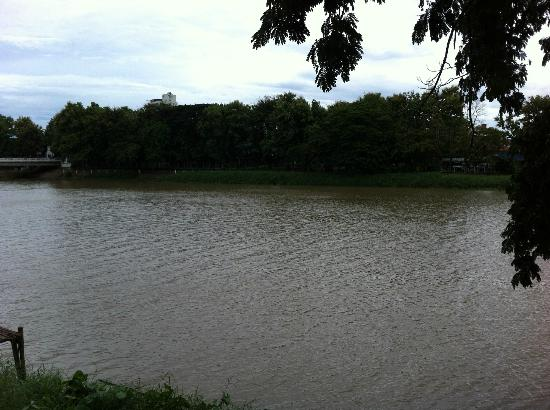 The Good View Bar & Restaurant Chiang Mai: The View Ping river