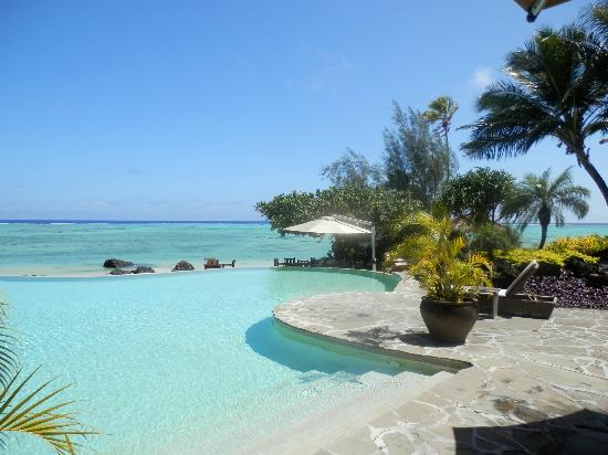 Pacific Resort Aitutaki: Infinity pool