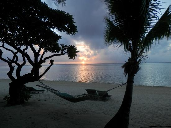 Pacific Resort Aitutaki: Sunset from our private deck