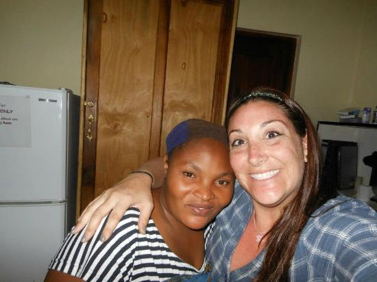 Ujamaa Hostel: Fun with the staff