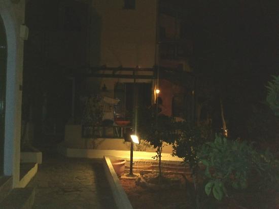 Maria Flora Apartments: Il nostro appartamento da fuori