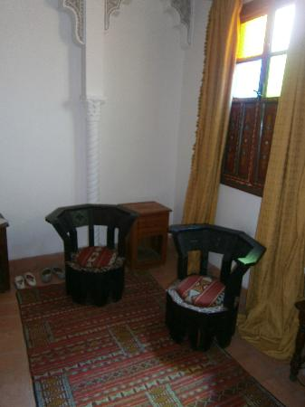 Riad Amssaffah: seats in our room