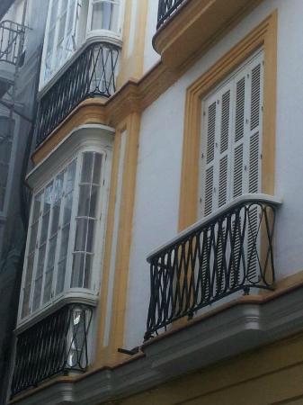 Hotel Las Cortes De Cadiz : The balconies