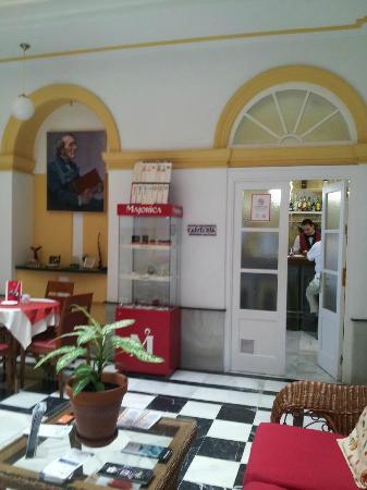 Hotel Las Cortes De Cádiz: Reception