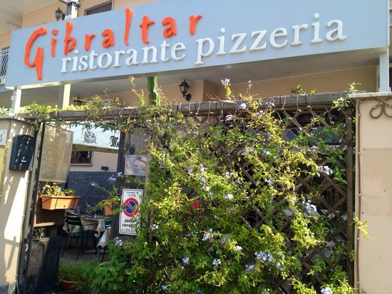 Gibraltar Taverna Mediterranea: Insegna del ristorantino
