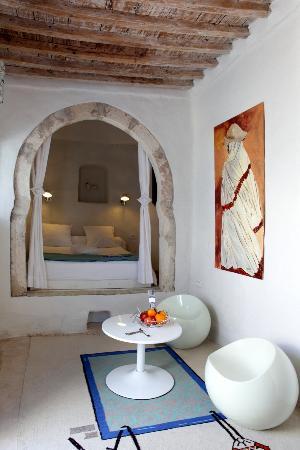 Dar bibine b b erriadh tunisie voir les tarifs 123 for Architecture maison arabe