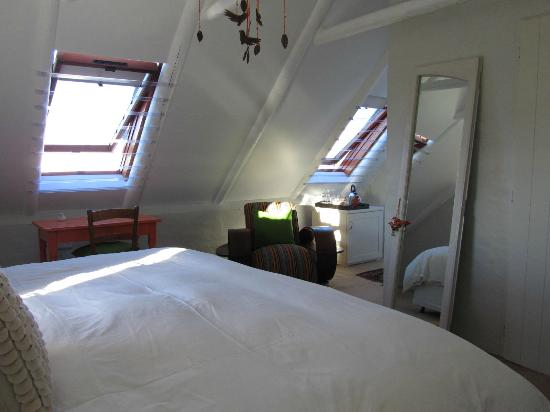 ah! Guest House: Orange room