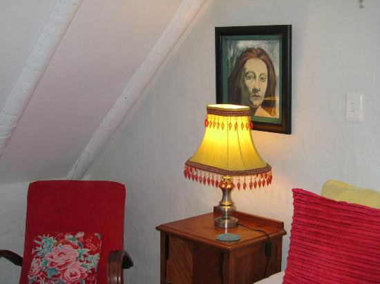 ah! Guest House: Red room