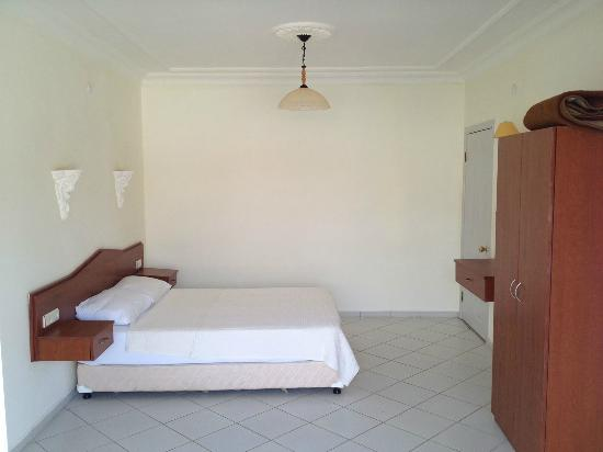 Lycian Hotel : Lycian Apartments, Master bedroom