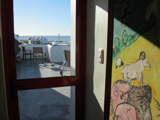 ah! Guest House : Door leading onto deck.