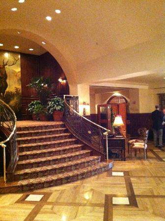 The Houstonian: Lobby area